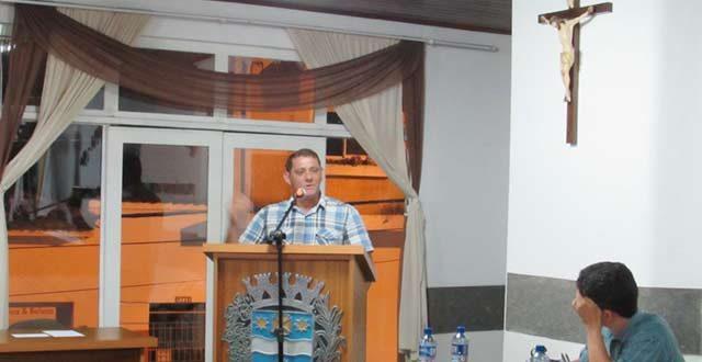 Secretário da agricultura de Ribeira comparece na Câmara