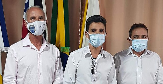 Vereadores, Prefeito e Vice Prefeito tomam posse em Ribeira